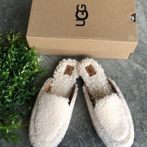 New In Box UGG Lane Fluff  Loafer
